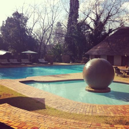 Valley Lodge & Spa: pool area