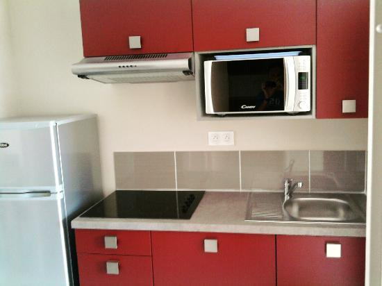 Résidence Prestige Odalys Du Golfe: kitchen