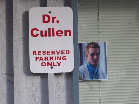 Twilight Tours in Forks: Dr. Cullen parking only ;)