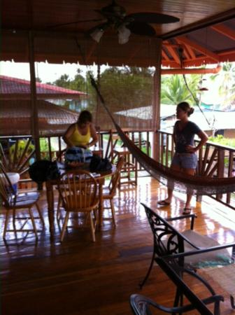 Hotel Lula's Bed and Breakfast: On the second floor balcony