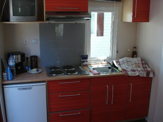 Parque de campismo Orbitur Evora: Kitchen equipment