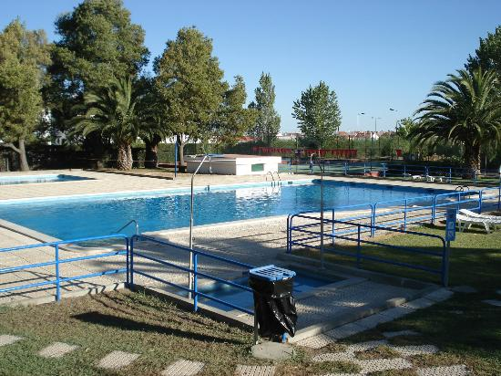 Parque de campismo Orbitur Evora: Pool area #2