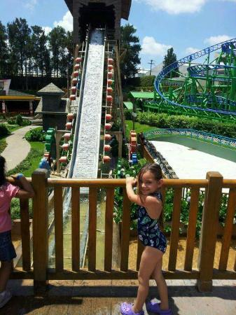 Mundo Petapa Irtra: Log ride!