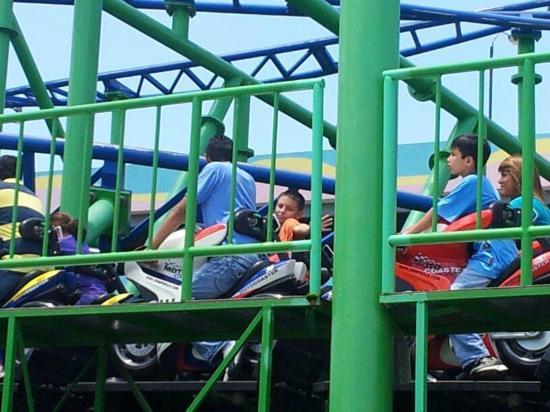 Mundo Petapa Irtra: Big kid rides