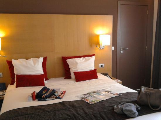 Husa de la Couronne: room