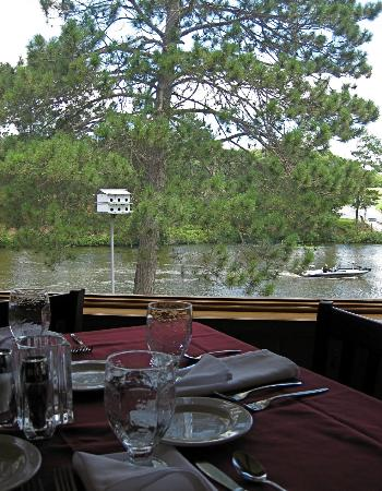 Chanticleer Inn: Dining Room View