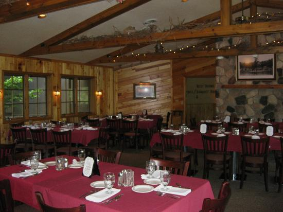 Chanticleer Inn: Dining Room
