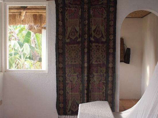 Puerto Del Sol Resort Hotel and Dive Center Coron: habitaciones decoradas con mucho gusto