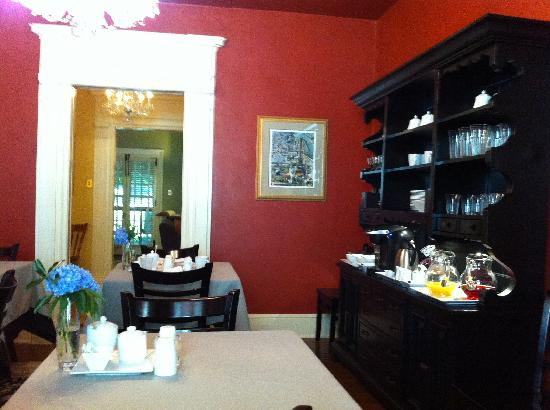 The Lancaster Bed and Breakfast: Dining Room