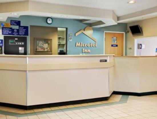 Motel 6 Charlotte: Lobby