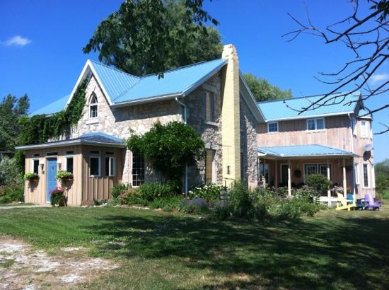 Holly Cottage Bed and Breakfast: PARADISE AWAY FROM HOME