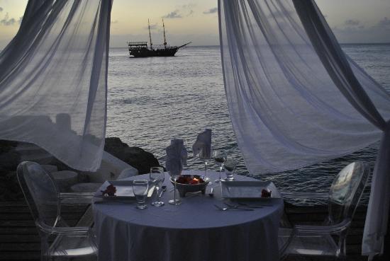 Hotel B Cozumel: romantic dinner