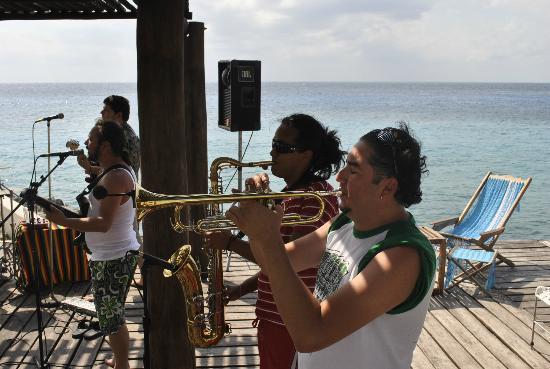 Hotel B Cozumel: live reggae band