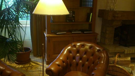 Hôtel des Horlogers : Classic old bar
