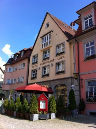 Hotel Laurentius: frontansicht marktplatz