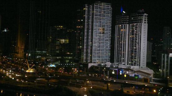 Plaza Paitilla Inn: Vista Nocturna desde la Habitacion