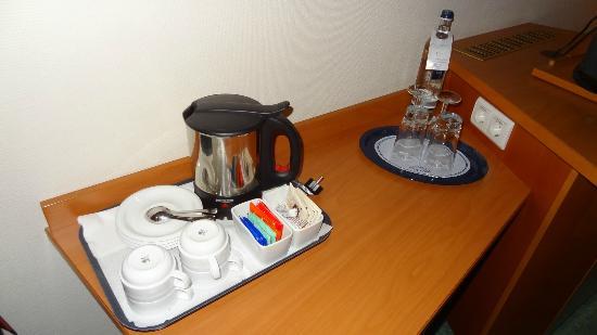 Steigenberger Conti-Hansa: Kaffee im Zimmer