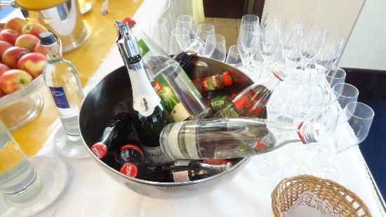 Steigenberger Conti-Hansa: Cola zum Frühstück - Klasse... für alle diejenigen, die keinen Sekt mögen
