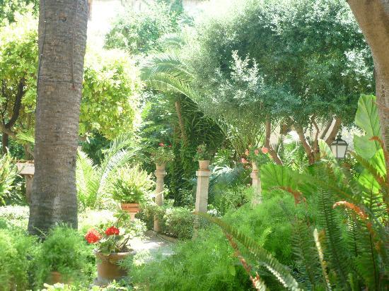 Baños Arabes Mallorca: Picture of Banys Arabs (Arab Baths), Palma de Mallorca – TripAdvisor