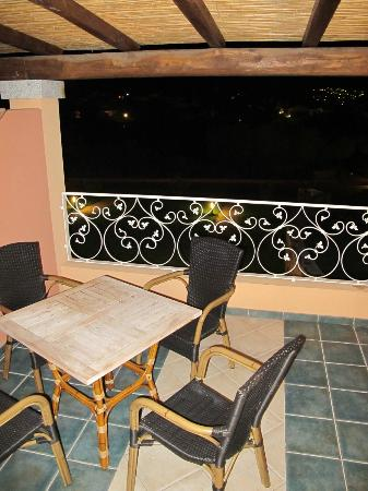 Hotel I Corbezzoli: Terrasse am Superior Zimmer