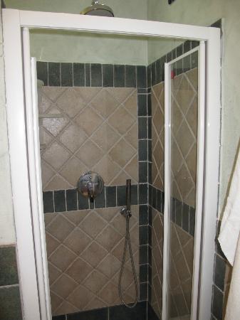 Hotel I Corbezzoli: Dusche