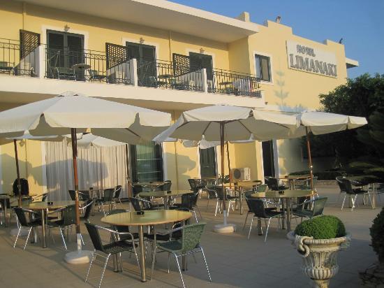Limanaki Hotel: Terrasse