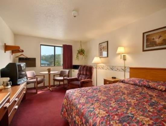 Super 8 by Wyndham Waynesburg: Suite - 112