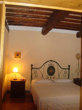 Agriturismo La Colombaia: spacious bedroom
