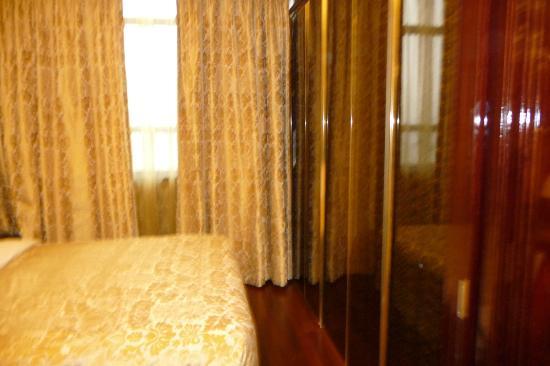 Hotel Artnouveau Seocho: Closets