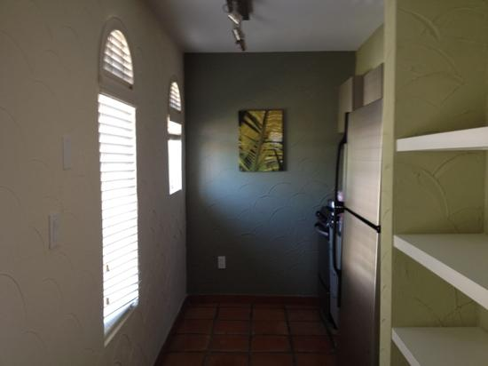El Paseo Hotel: kitchen