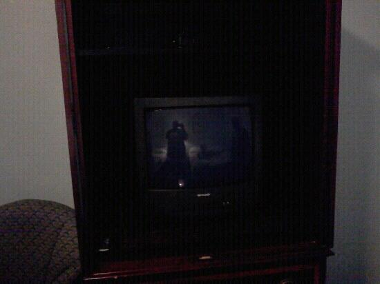 Atlantic Beach Hotel: Tv with no cable or satelite.