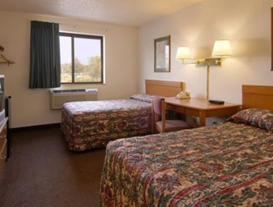 Super 8 Pulaski: Standard Two Double Bed Room