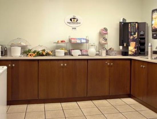 Super 8 Nyack: Breakfast Area
