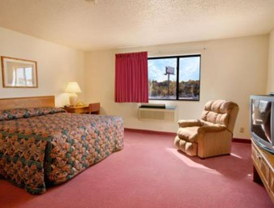 Super 8 Warrenton: Standard King Bed Room