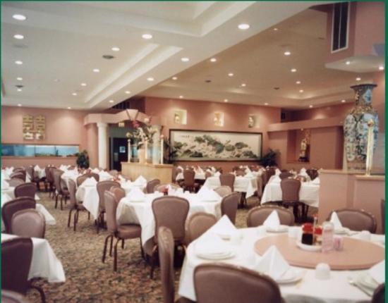 Tam's Cuisine of China: Tam's Cuisine, Pacifica, CA Interior