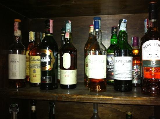โรงแรมพารค์เกอร์: whisky