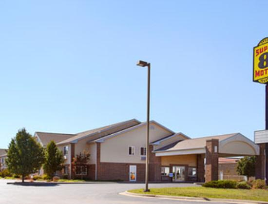 Super 8 by Wyndham Carthage: Welcome to Super 8 Carthage
