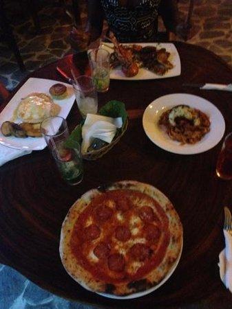 Amici Ristorante Pizzeria: lobster, chicken, pizza, and lobster and pasta