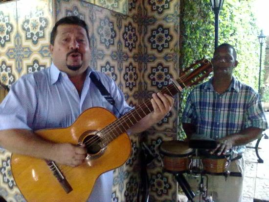 Paladar  Davimart : chitarra e canto