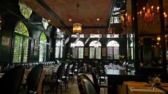 Leopard Lounge & Restaurant: Classy Leopard Lounge 'Casablanca' revisited