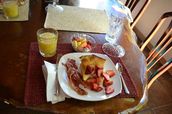 Yosemite Peregrine Lodging: Fabulous breakfast
