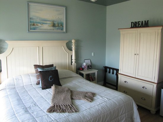 The Collins Inn and Seaside Cottages: Pacific Room