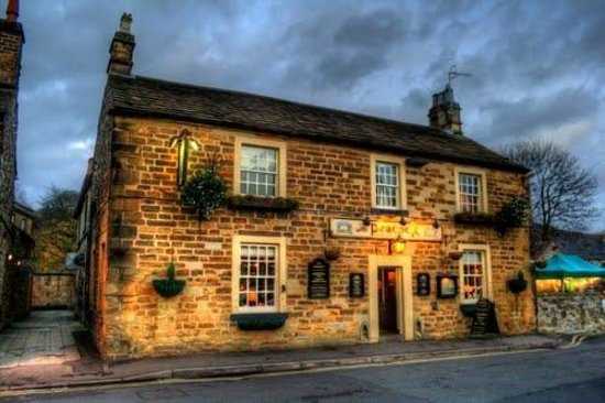 evening setting at the peacock bakewell