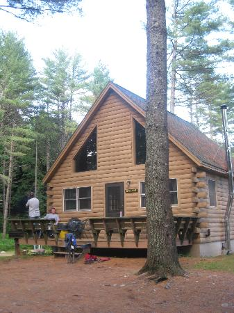 Northern Outdoors Adventure Resort: king pine cabin