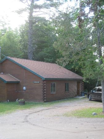 Northern Outdoors Adventure Resort: loon cabin