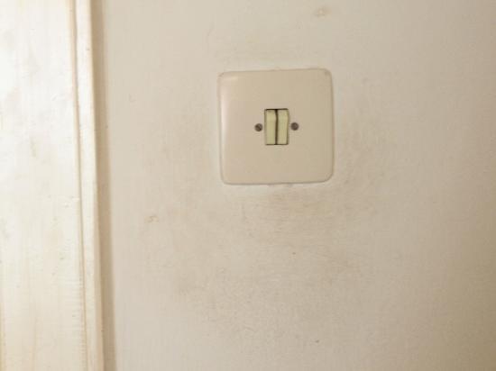 Hotel Pacific: Lichtschalter im Flur (Bad)