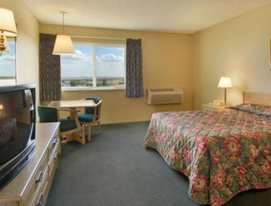 Kettleman City Inn: Standard Queen Bed Room