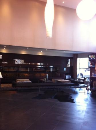Sandman Signature Langley Hotel: lobby