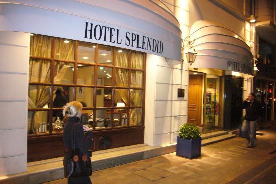 Hotel Splendid: Rue Felix Faure entrance