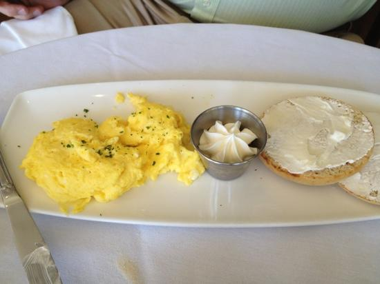 The Grand Oak Steakhouse & Bar: scrambled eggs and toast